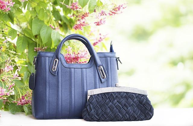 dvě modré kabelky.jpg