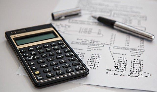 kalkulačka, papír, čísla