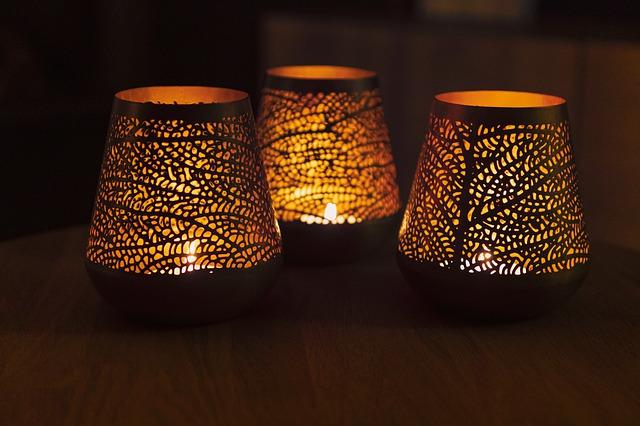 svíčky pro vytvoření intimní nálady